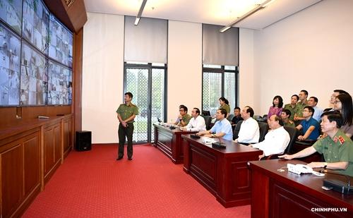 Thủ tướng Nguyễn Xuân Phúc đi kiểm tra công tác chuẩn bị cho hội nghị WEF ASEAN 2018 - Ảnh 6