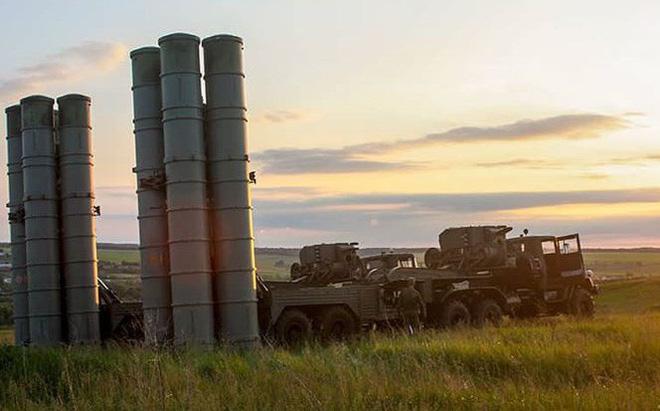 Nga sắp bàn giao tên lửa S-300 mệnh danh rồng lửa cho Syria - Ảnh 1