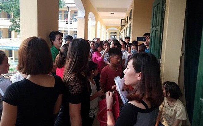 Chủ tịch Hà Nội yêu cầu báo cáo việc trường học thu gần 7,5 triệu đồng đầu năm - Ảnh 1