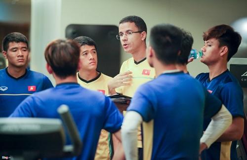 Quyết tâm chiến thắng Yemen, các cầu thủ tuyển Việt Nam miệt mài tập gym - Ảnh 1