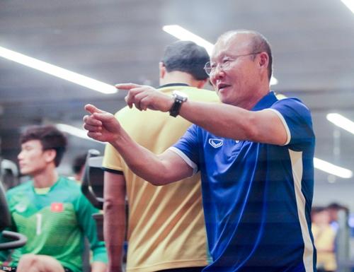 Quyết tâm chiến thắng Yemen, các cầu thủ tuyển Việt Nam miệt mài tập gym - Ảnh 2