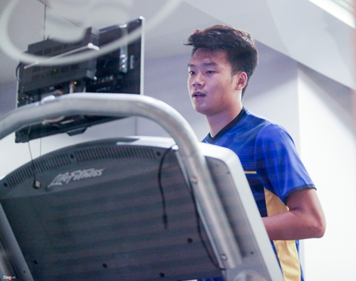Quyết tâm chiến thắng Yemen, các cầu thủ tuyển Việt Nam miệt mài tập gym - Ảnh 3