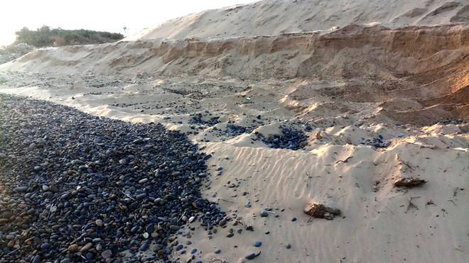 Vụ xâm hại bãi đá 7 màu ở Bình Thuận: Chuyển hồ sơ sang công an điều tra - Ảnh 2