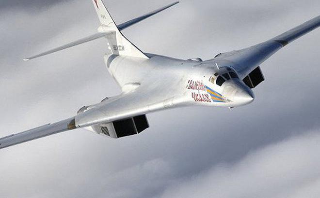 Mỹ, Canada dùng máy bay chiến đấu tàng hình F-22 để 'thử' Tu-160 của Nga - Ảnh 1