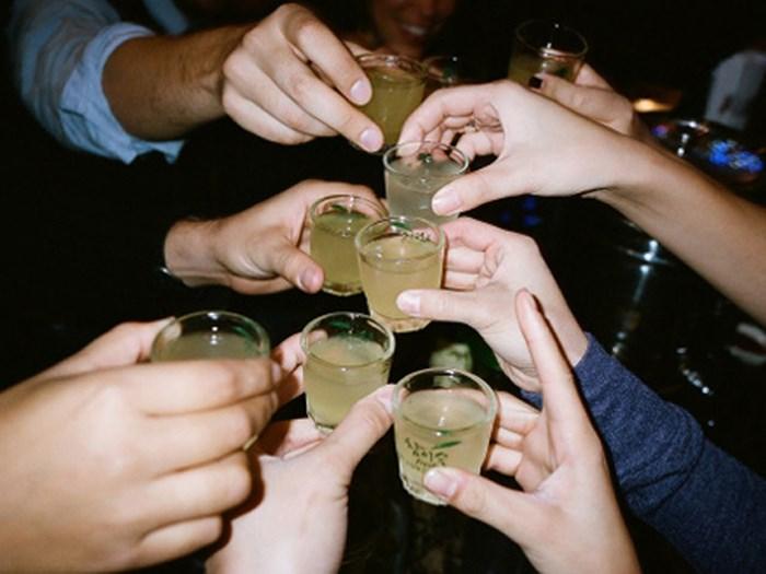 Cắt cơn say rượu ngay tức thì với những loại rau củ, không dùng thuốc - Ảnh 1