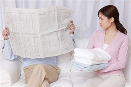 Ai đang làm hư ông chồng vốn chăm chỉ của bạn? - Ảnh 2