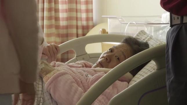 Sản phụ lớn tuổi nhất Trung Quốc sinh con ở tuổi 67 - Ảnh 1