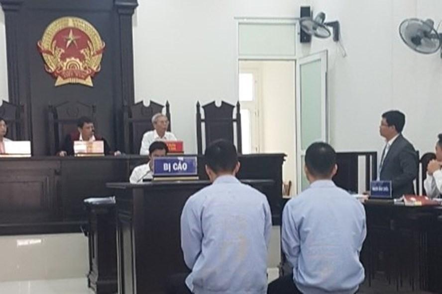 Hoãn phiên tòa xét xử 2 đối tượng chuyên phá két các trụ sở ủy ban ở Hà Nội - Ảnh 1
