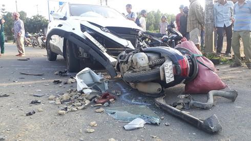 Bị kéo lê dưới gần xe ben, một người tử vong sau tai nạn liên hoàn - Ảnh 2