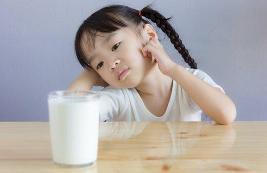 Sữa bổ lắm, tốt lắm nhưng không phải ai cũng uống được - Ảnh 4