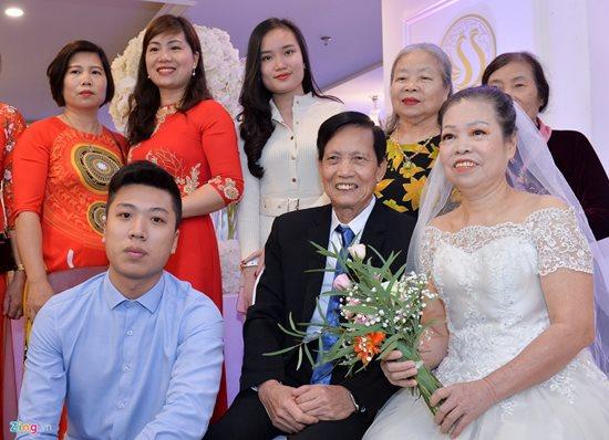 Xúc động trước hình ảnh những cô dâu đặc biệt mặc áo cưới - Ảnh 3