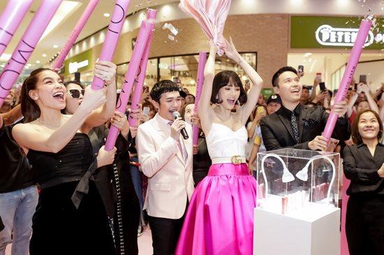 Là nghệ sĩ chuyển giới nổi tiếng nhất Việt Nam, Hương Giang idol có khối tải sản khủng thế nào - Ảnh 20