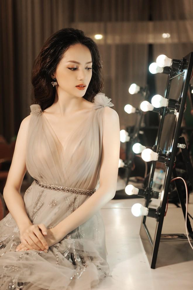 Là nghệ sĩ chuyển giới nổi tiếng nhất Việt Nam, Hương Giang idol có khối tải sản khủng thế nào - Ảnh 1