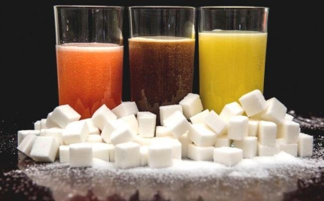 Nước ngọt có ga và nước cam ép có lượng đường ngang nhau - gia tăng nguy cơ ung thư - Ảnh 1