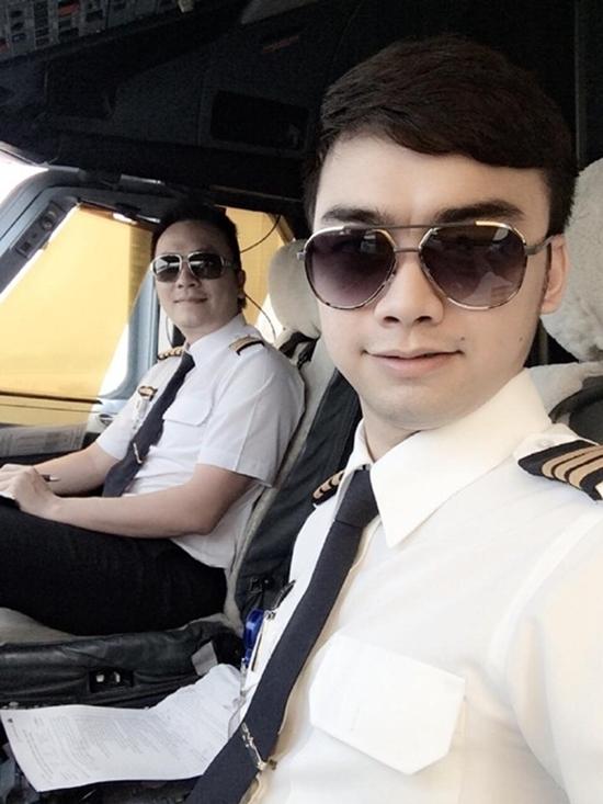 Phi công Hà Duy chia sẻ cảm giác lái máy bay chở tuyển U22 Việt Nam về nước - Ảnh 5