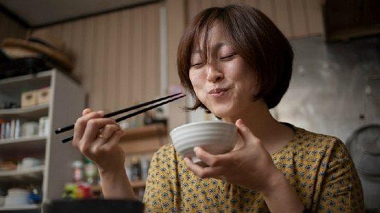 Cả thế giới ngạc nhiên với bí quyết sống lâu mạnh khỏe của người Nhật - Ảnh 1
