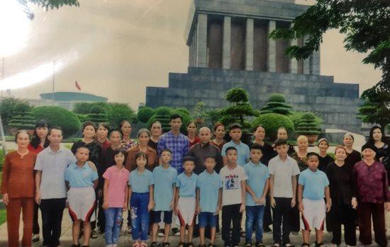 Người cha nuôi xuất gia của 11 đứa trẻ bị bỏ rơi - Ảnh 4