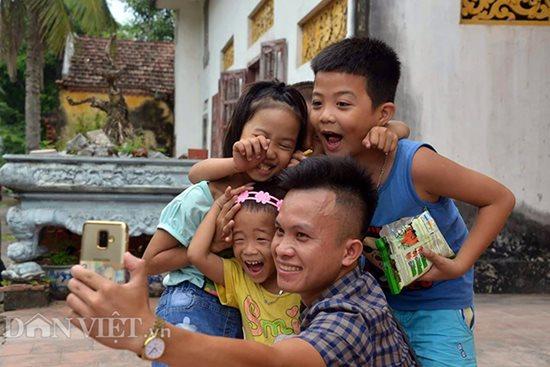 Người cha nuôi xuất gia của 11 đứa trẻ bị bỏ rơi - Ảnh 5