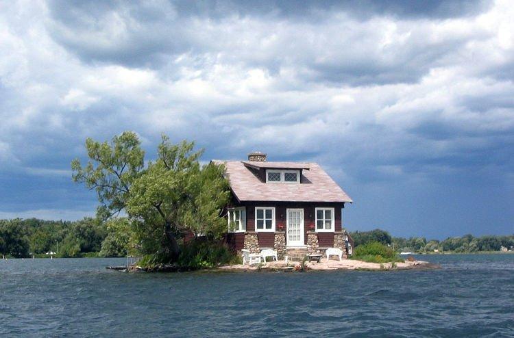 Kỳ lạ hòn đảo nhỏ nhất thế giới chỉ đủ xây 1 ngôi nhà - Ảnh 1