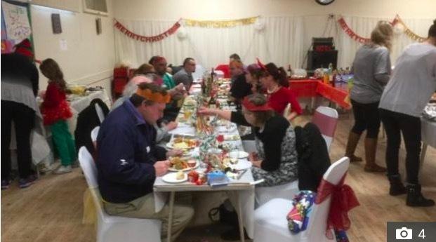Mời hàng nghìn người lạ tới dự tiệc Giáng sinh để đánh bại sự cô đơn - Ảnh 3