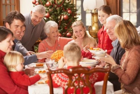 Mời hàng nghìn người lạ tới dự tiệc Giáng sinh để đánh bại sự cô đơn - Ảnh 1