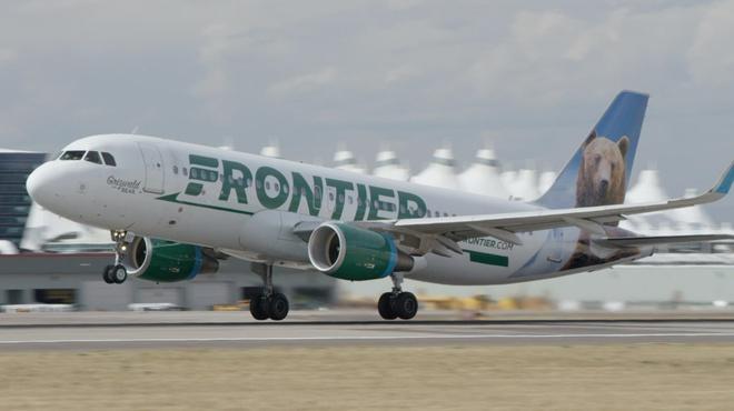 Tiếp viên hàng không Mỹ bị tố để mặc nữ hành khách bị tấn công tình dục - Ảnh 1
