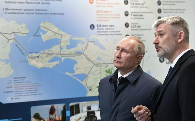 Tổng thống Nga tiết lộ điều bất ngờ của cây cầu nối Nga và Crimea - Ảnh 1