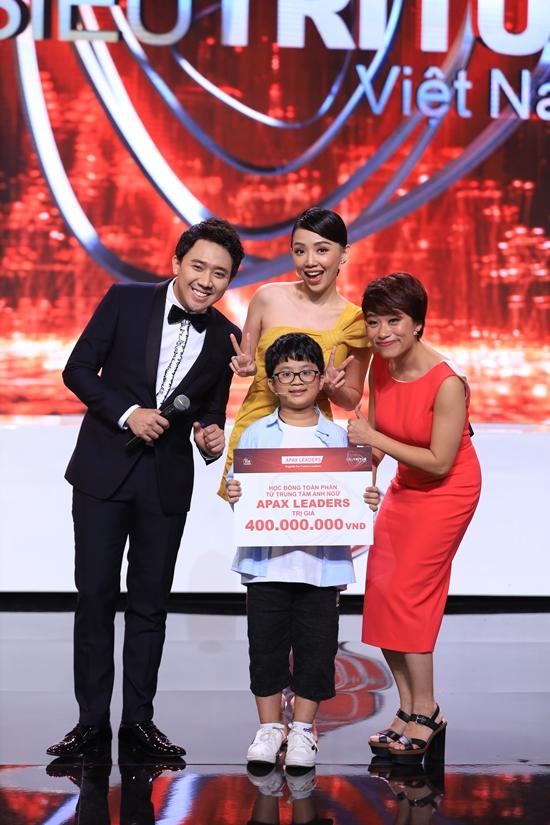 """Siêu Trí Tuệ Việt Nam tập 7: BGK và khán giả vừa """"nổi da gà"""", vừa hồi hộp thót tim - Ảnh 9"""