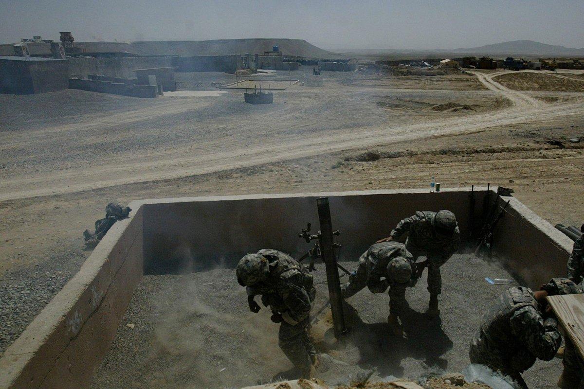 Tình báo Mỹ xấu hổ vì để thủ lĩnh Taliban sống gần căn cứ quân sự trong nhiều năm - Ảnh 1