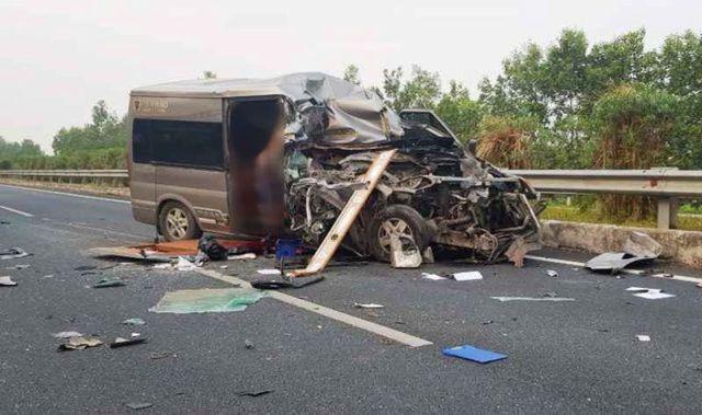 Đề nghị điều tra vụ tai nạn xe khách Limousine gây tai nạn khiến 2 người tử vong - Ảnh 1