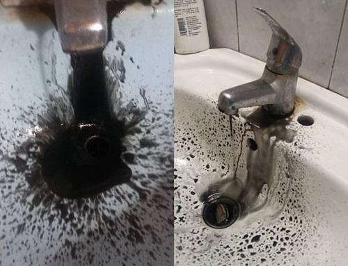 Venezuela: Nước máy biến thành dầu thô đen kịt - Ảnh 3
