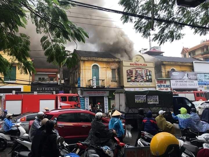 Cháy khách sạn ở Hải Phòng: Nữ nhân viên massage thiệt mạng vì lên tầng báo động - Ảnh 2