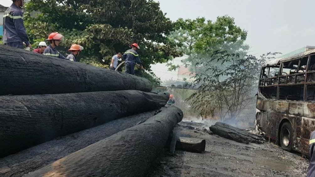 Quảng Nam: Xe khách giường nằm bất ngờ bốc cháy tại bến - Ảnh 2