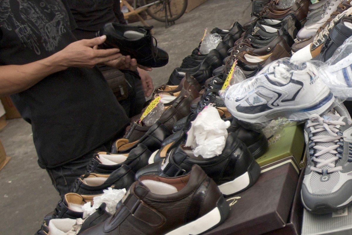 Chuyện lạ: Nữ nhân viên bán hàng bẻ gãy tay khách hàng vì bị gọi là người đẹp - Ảnh 1