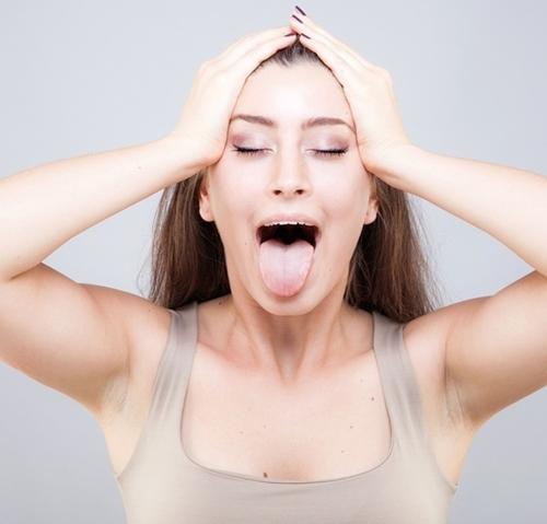 9 bài tập cơ khiến gương mặt của bạn trở nên thon thả, trẻ hóa làn da đẩy lùi nếp nhăn - Ảnh 2