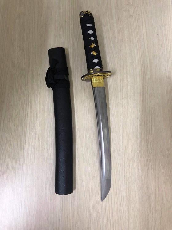"""TP.HCM: Bắt giữ """"nữ quái"""" dùng kiếm Nhật chém 2 vợ chồng chủ tiệm vàng - Ảnh 2"""