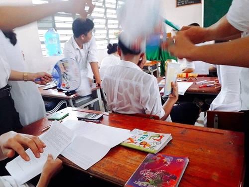 1001 cách sáng tạo ra gió mát của học sinh mùa thi - Ảnh 1