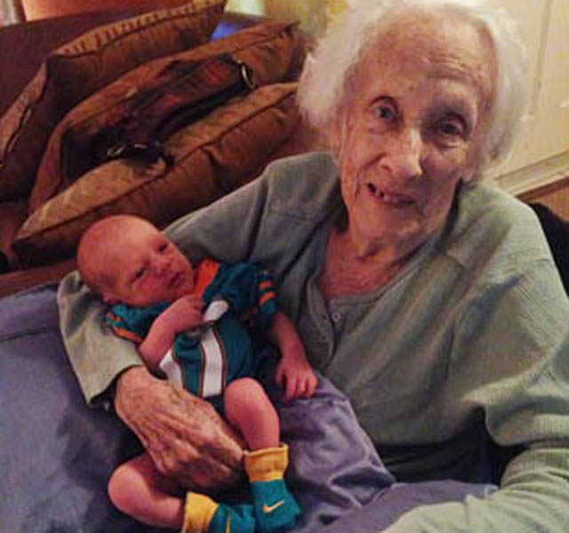 Kỷ lục thế giới: Sản phụ 101 tuổi sinh con thứ 17 dù bị ung thư buồng trứng - Ảnh 2