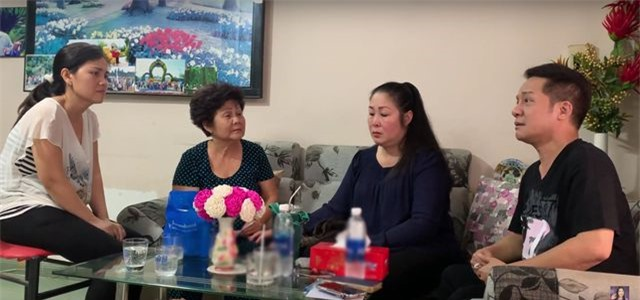 Nghệ sĩ Hồng Vân, Minh Nhí trao 668 triệu đồng tiền ủng hộ tới gia đình diễn viên Anh Vũ - Ảnh 1