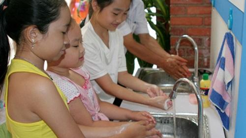 Những biện pháp đơn giản đảm bảo cả gia đình khỏe mạnh trong mùa nắng nóng - Ảnh 5