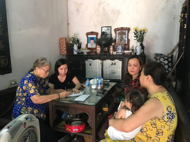 """Con trai nữ lao công bị """"xe điên"""" tông tử vong ở Hà Nội được tuyển thẳng vào THPT - Ảnh 1"""