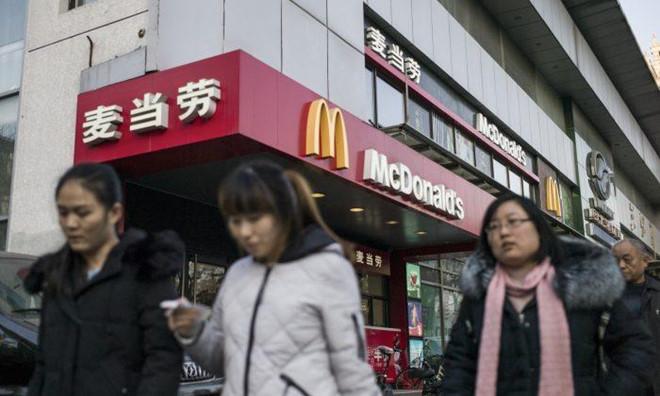 Phong trào tẩy chay hàng hóa Mỹ: Công ty Trung Quốc sẽ sa thải nhân viên dùng hay ăn đồ Mỹ - Ảnh 1