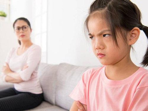 3 thói quen xấu của cha mẹ khiến IQ con trẻ giảm sút - Ảnh 1