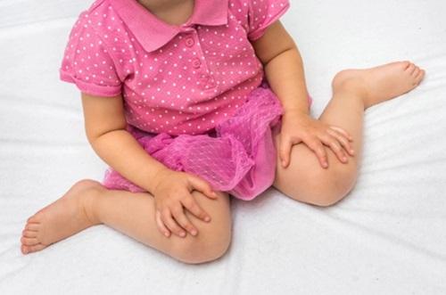 Để con có đôi chân thẳng đẹp, ngay từ khi con còn bé, cha mẹ phải làm điều này - Ảnh 2