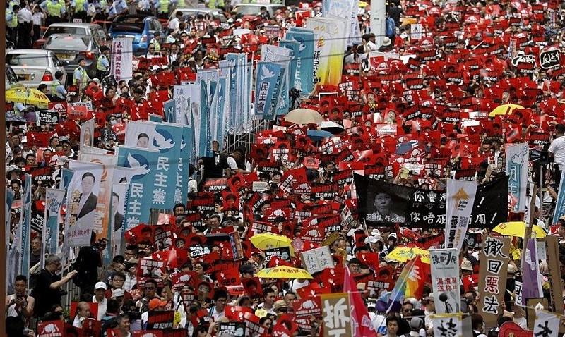 Một triệu người Hồng Kông biểu tình chống dự luật dẫn độ - Ảnh 1