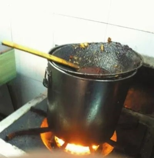 Bà nội trợ cần từ bỏ 4 thói quen nấu ăn để không rước bệnh ung thư phổi cho gia đình - Ảnh 4