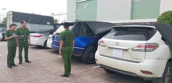 Hà Tĩnh: Triệt phá đường dây buôn lậu xe sang từ Lào về Việt Nam - Ảnh 3