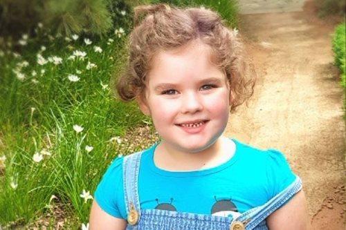 Kỳ lạ cô bé 4 tuổi dậy thì, 5 tuổi đã mắc phải triệu chứng người mãn kinh  - Ảnh 1