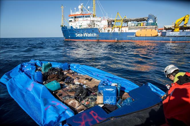 Libya giải cứu gần 200 người di cư bất hợp pháp gặp nạn trên biển - Ảnh 1