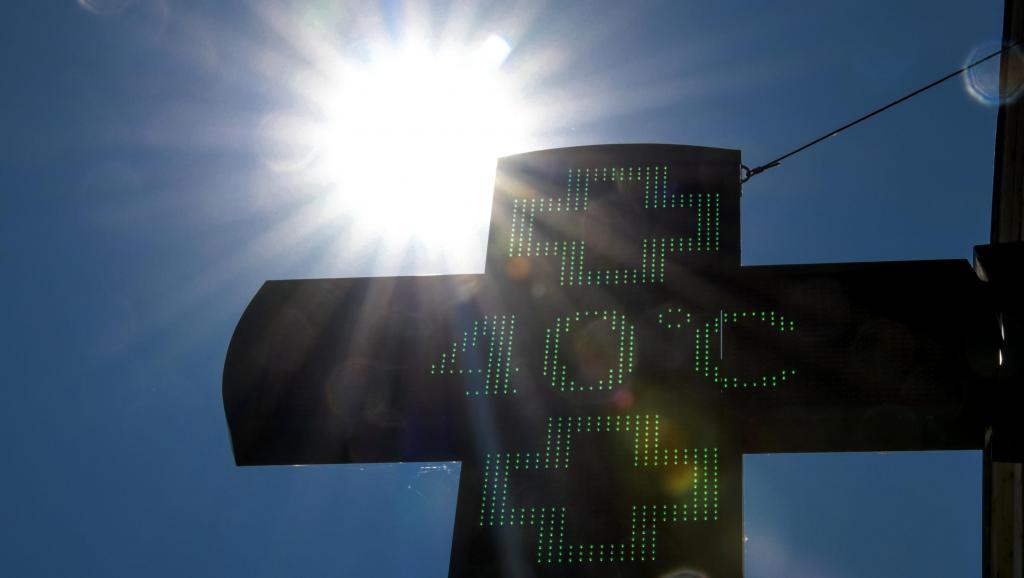 Nhiều nước châu Âu cảnh báo sắp đón đợt nắng nóng cực đoan đến 40 độ C - Ảnh 1